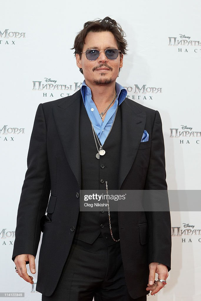 Actor <a gi-track='captionPersonalityLinkClicked' href=/galleries/search?phrase=Johnny+Depp&family=editorial&specificpeople=202150 ng-click='$event.stopPropagation()'>Johnny Depp</a> attends at the Russian premiere of Pirates Of The Caribbean: On Stranger Tides movie on May 11, 2011 in Moscow, Russia.