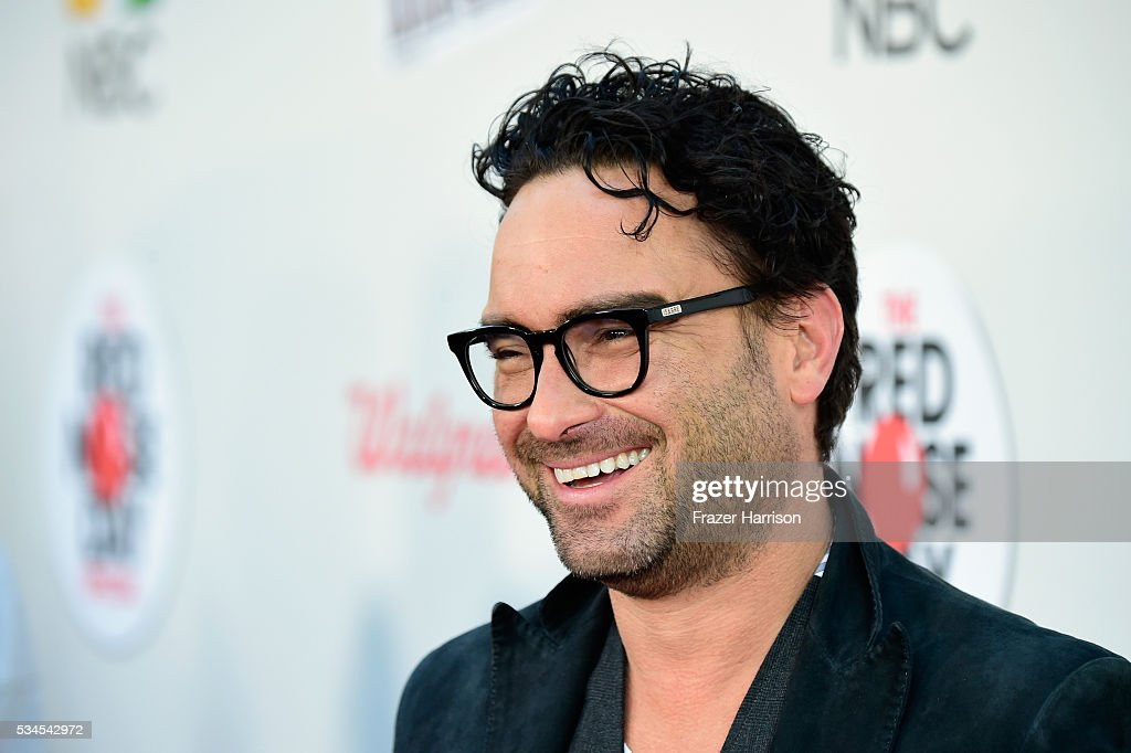 Actor <a gi-track='captionPersonalityLinkClicked' href=/galleries/search?phrase=Johnny+Galecki&family=editorial&specificpeople=832098 ng-click='$event.stopPropagation()'>Johnny Galecki</a> attends The Red Nose Day Special on NBC at Alfred Hitchcock Theater at Universal Studios on May 26, 2016 in Universal City, California.