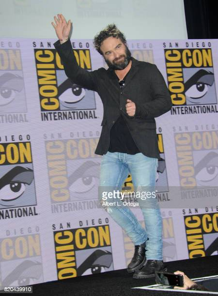 Actor Johnny Galecki walks onstage at ComicCon International 2017 'The Big Bang Theory' panel at San Diego Convention Center on July 21 2017 in San...