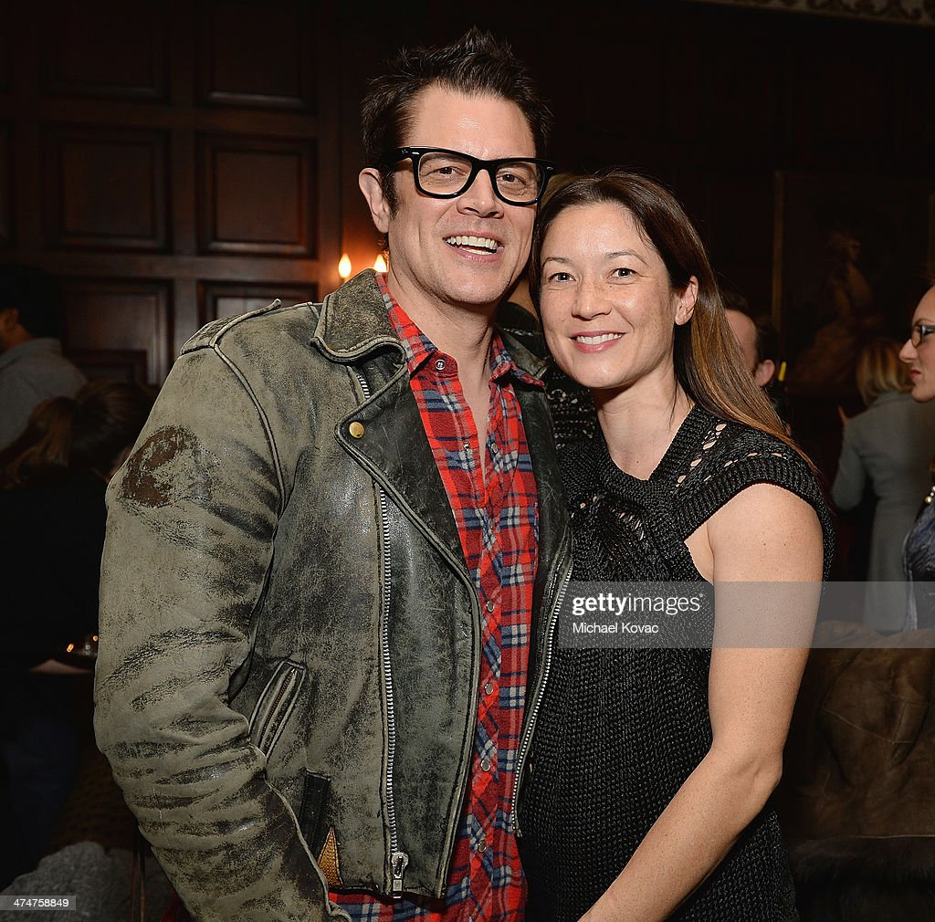 Actor <a gi-track='captionPersonalityLinkClicked' href=/galleries/search?phrase=Johnny+Knoxville&family=editorial&specificpeople=206210 ng-click='$event.stopPropagation()'>Johnny Knoxville</a> and wife Naomi Nelson attend the Dom Perignon Reception after The Un-Private Collection: Jeff Koons and John Waters in Conversation at Orpheum Theatre on February 24, 2014 in Los Angeles, California.
