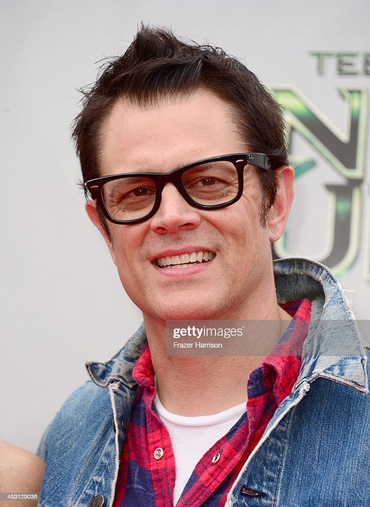 Actor <a gi-track='captionPersonalityLinkClicked' href=/galleries/search?phrase=Johnny+Knoxville&family=editorial&specificpeople=206210 ng-click='$event.stopPropagation()'>Johnny Knoxville</a> attends Paramount Pictures' 'Teenage Mutant Ninja Turtles' premiere at Regency Village Theatre on August 3, 2014 in Westwood, California.