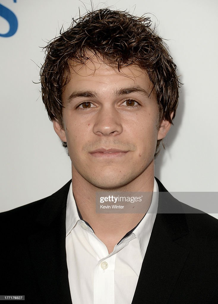 Actor <a gi-track='captionPersonalityLinkClicked' href=/galleries/search?phrase=Johnny+Simmons&family=editorial&specificpeople=4237469 ng-click='$event.stopPropagation()'>Johnny Simmons</a> arrives at the premiere of Focus Features' 'The World's End' at ArcLight Cinemas Cinerama Dome on August 21, 2013 in Hollywood, California.