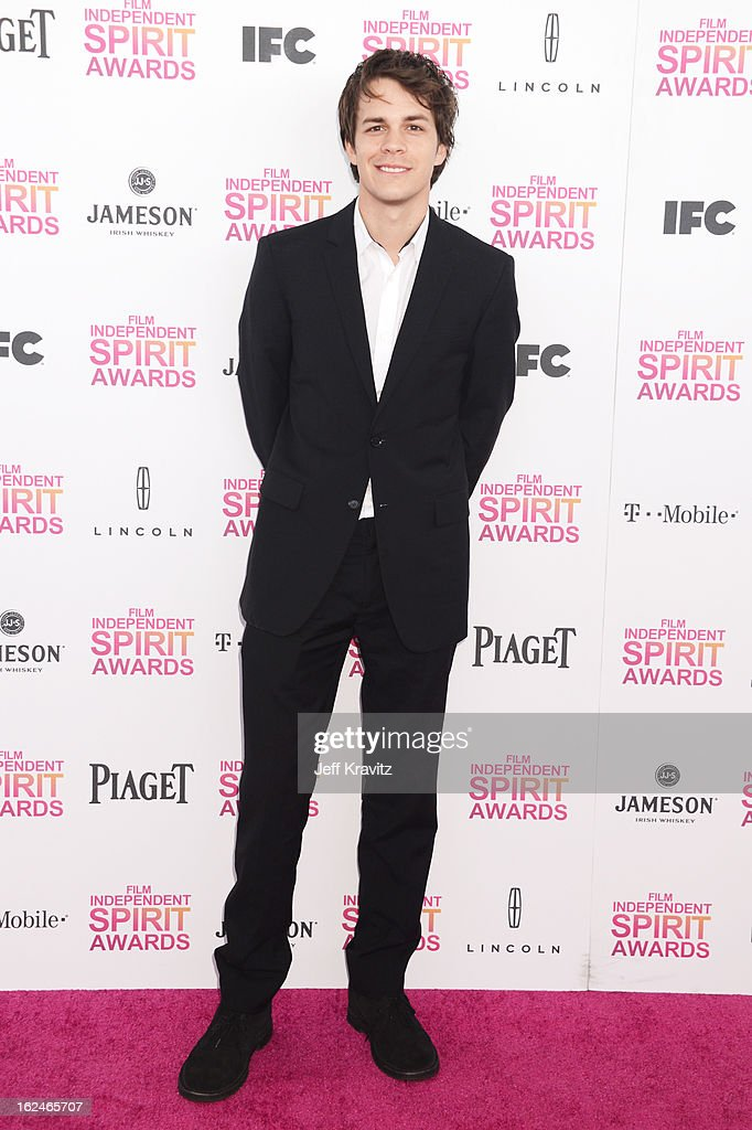 Actor <a gi-track='captionPersonalityLinkClicked' href=/galleries/search?phrase=Johnny+Simmons&family=editorial&specificpeople=4237469 ng-click='$event.stopPropagation()'>Johnny Simmons</a> attends the 2013 Film Independent Spirit Awards at Santa Monica Beach on February 23, 2013 in Santa Monica, California.