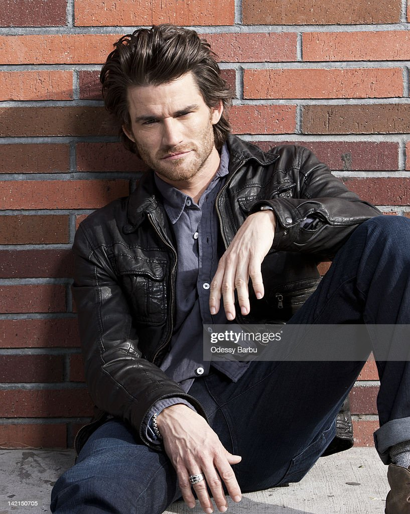 [FE] Le Pouvoir des 3 - Evénement #62 - Page 4 Actor-johnny-whitworth-is-photographed-for-on-december-4-2011-in-los-picture-id142150705
