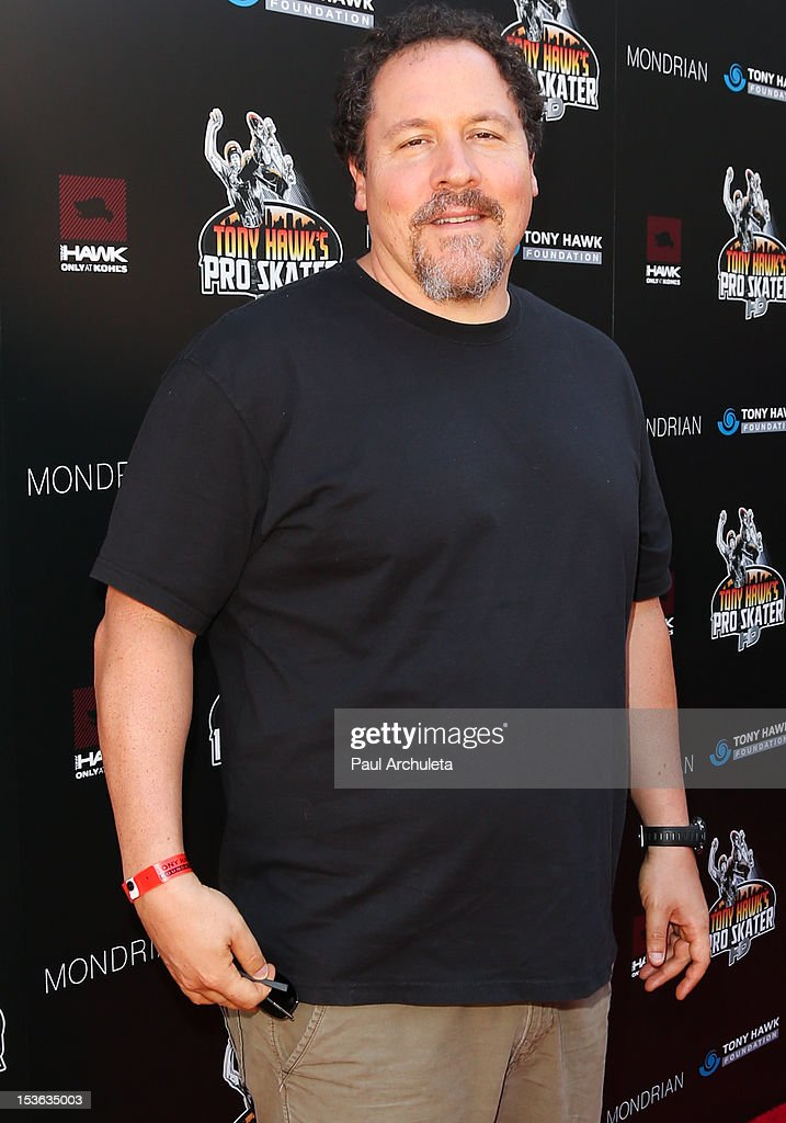 Actor <a gi-track='captionPersonalityLinkClicked' href=/galleries/search?phrase=Jon+Favreau&family=editorial&specificpeople=239483 ng-click='$event.stopPropagation()'>Jon Favreau</a> attends the 9th annual Stand Up For Skateparks benefit at Ron Burkle's Green Acres Estate on October 7, 2012 in Beverly Hills, California.