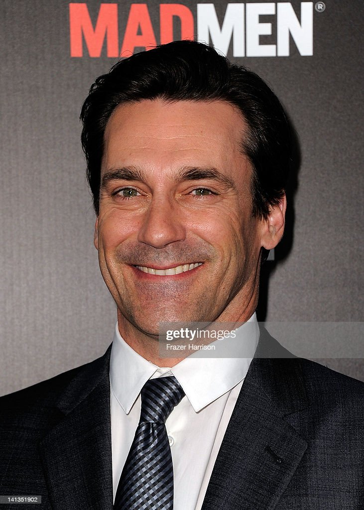 Actor <a gi-track='captionPersonalityLinkClicked' href=/galleries/search?phrase=Jon+Hamm&family=editorial&specificpeople=3027367 ng-click='$event.stopPropagation()'>Jon Hamm</a> arrives at the Premiere of AMC's 'Mad Men' Season 5 at ArcLight Cinemas on March 14, 2012 in Hollywood, California.