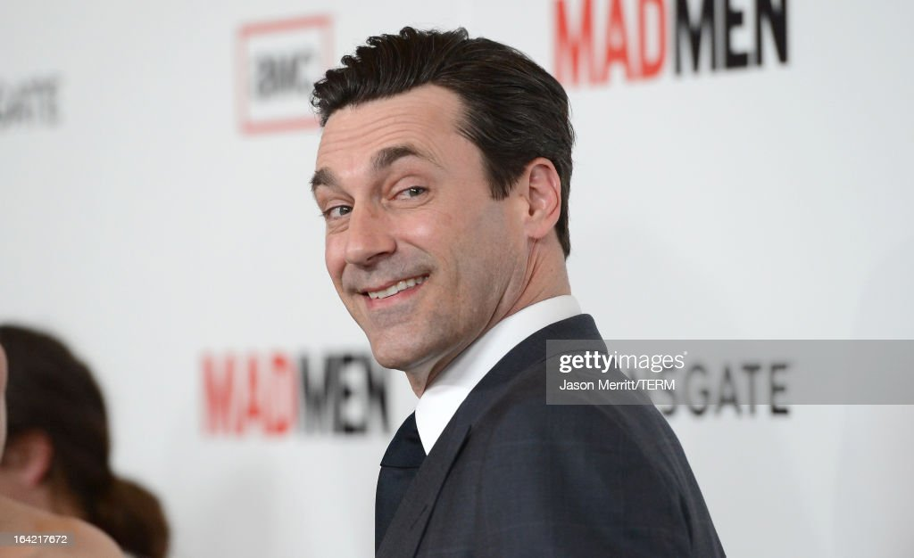 Actor <a gi-track='captionPersonalityLinkClicked' href=/galleries/search?phrase=Jon+Hamm&family=editorial&specificpeople=3027367 ng-click='$event.stopPropagation()'>Jon Hamm</a> arrives at the Premiere of AMC's 'Mad Men' Season 6 at DGA Theater on March 20, 2013 in Los Angeles, California.