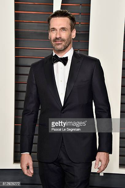 Actor Jon Hamm attends the 2016 Vanity Fair Oscar Party Hosted By Graydon Carter at the Wallis Annenberg Center for the Performing Arts on February...