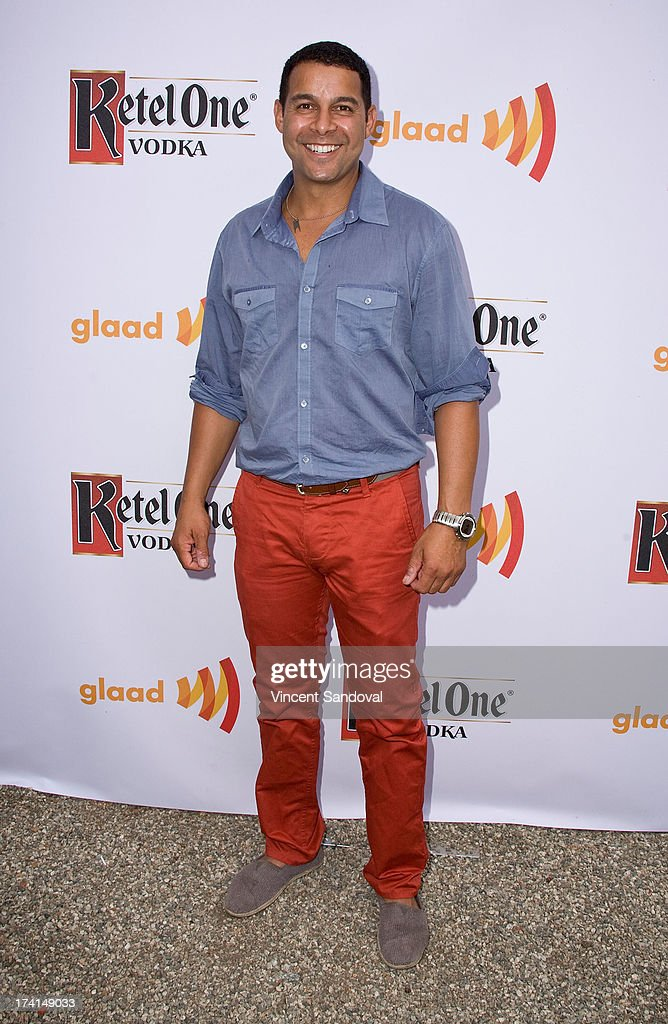 Actor <a gi-track='captionPersonalityLinkClicked' href=/galleries/search?phrase=Jon+Huertas&family=editorial&specificpeople=2179536 ng-click='$event.stopPropagation()'>Jon Huertas</a> attends GLAAD's annual food-themed fundraiser 'GLAAD Hancock Park' on July 20, 2013 in Los Angeles, California.