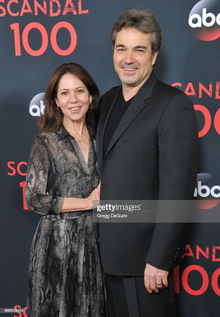 Actor Jon Tenney And Wife Leslie Urdang Arrive At Abc S Scandal 100th Episode Celebration