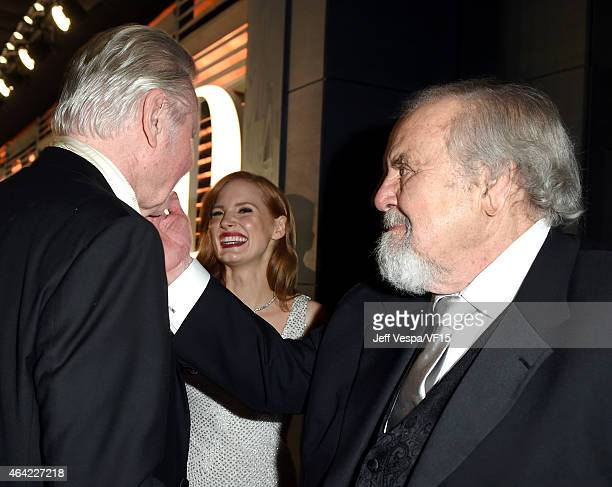 Actor Jon Voight actress Jessica Chastain and producer George Schlatter attend the 2015 Vanity Fair Oscar Party hosted by Graydon Carter at the...