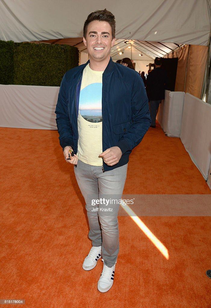 Actor <a gi-track='captionPersonalityLinkClicked' href=/galleries/search?phrase=Jonathan+Bennett&family=editorial&specificpeople=233425 ng-click='$event.stopPropagation()'>Jonathan Bennett</a> attends Nickelodeon's 2016 Kids' Choice Awards at The Forum on March 12, 2016 in Inglewood, California.