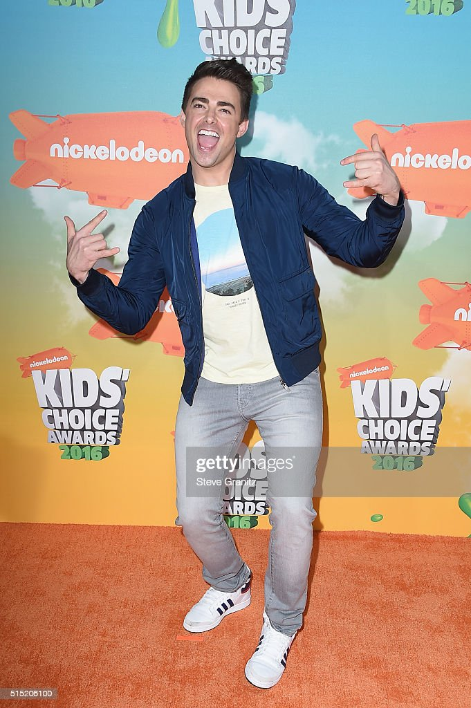 Actor Jonathan Bennett attends Nickelodeon's 2016 Kids' Choice Awards at The Forum on March 12, 2016 in Inglewood, California.