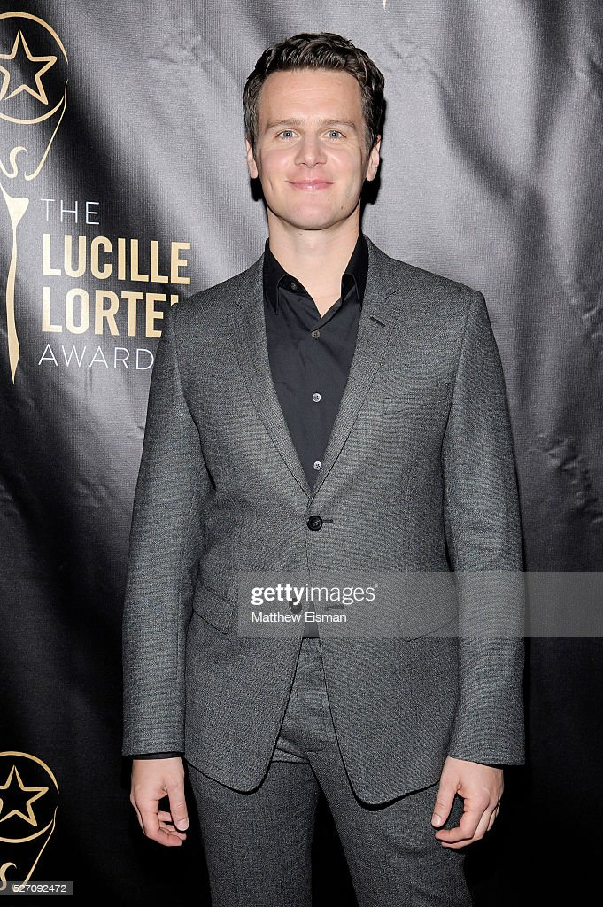Actor <a gi-track='captionPersonalityLinkClicked' href=/galleries/search?phrase=Jonathan+Groff&family=editorial&specificpeople=2994250 ng-click='$event.stopPropagation()'>Jonathan Groff</a> arrives at the 31st Annual Lucille Lortel Awards at NYU Skirball Center on May 1, 2016 in New York City.
