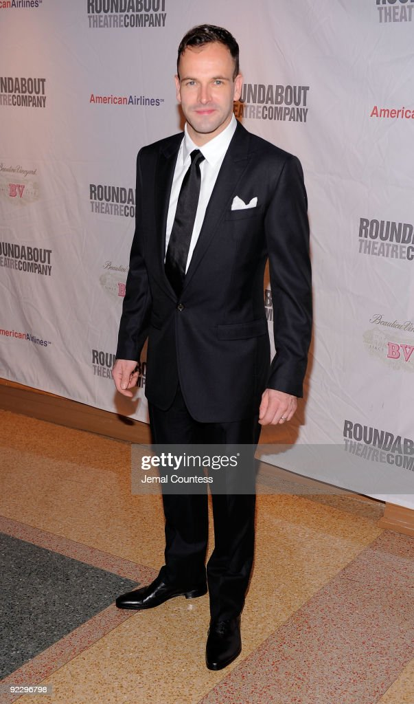 Actor <a gi-track='captionPersonalityLinkClicked' href=/galleries/search?phrase=Jonny+Lee+Miller&family=editorial&specificpeople=633082 ng-click='$event.stopPropagation()'>Jonny Lee Miller</a> attends the opening night party for 'After Miss Julie' on Broadway at the Roundabout Theatre Company's American Airlines Theatre on October 22, 2009 in New York City.