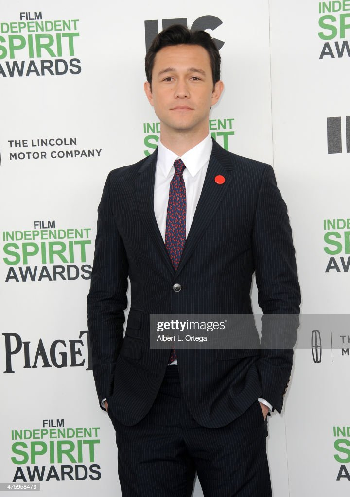 Actor Joseph Gordon Levitt arrives for the 2014 Film Independent Spirit Awards held at the beach on March 1, 2014 in Santa Monica, California.