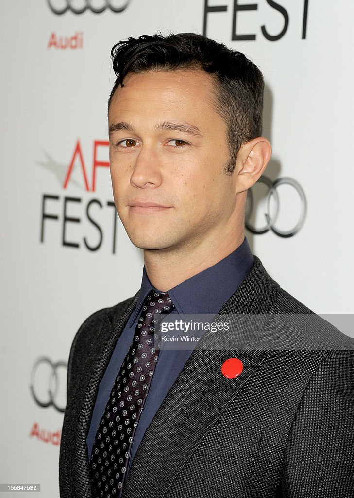 Actor Joseph Gordon-Levitt arrives at the 'Lincoln' premiere during AFI Fest 2012 presented by Audi at Grauman's Chinese Theatre on November 8, 2012 in Hollywood, California.
