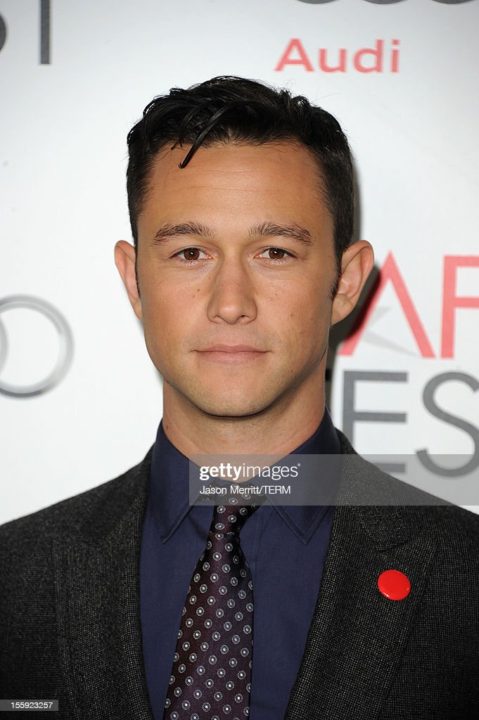 Actor <a gi-track='captionPersonalityLinkClicked' href=/galleries/search?phrase=Joseph+Gordon-Levitt&family=editorial&specificpeople=213632 ng-click='$event.stopPropagation()'>Joseph Gordon-Levitt</a> arrives at the 'Lincoln' premiere during AFI Fest 2012 presented by Audi at Grauman's Chinese Theatre on November 8, 2012 in Hollywood, California.