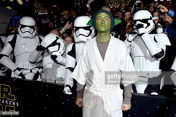 "Actor Joseph GordonLevitt attends the World Premiere of ""Star Wars The Force Awakens"" at the Dolby El Capitan and TCL Theatres on December 14 2015 in..."