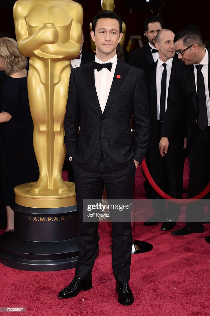 Actor <a gi-track='captionPersonalityLinkClicked' href=/galleries/search?phrase=Joseph+Gordon-Levitt&family=editorial&specificpeople=213632 ng-click='$event.stopPropagation()'>Joseph Gordon-Levitt</a> poses in the press room during the Oscars at Loews Hollywood Hotel on March 2, 2014 in Hollywood, California.