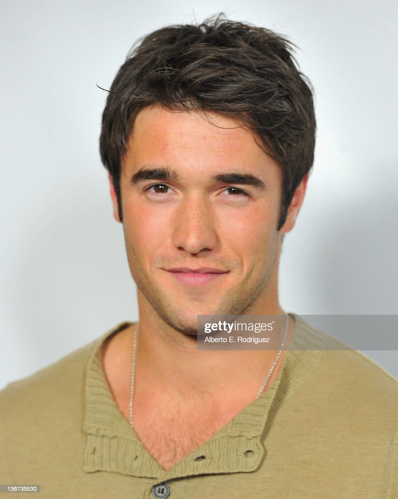 Actor Josh Bowman arrives to the Disney ABC Television Group's 'TCA Winter Press Tour' on January 10, 2012 in Pasadena, California.