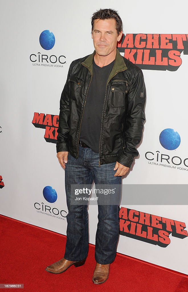 Actor <a gi-track='captionPersonalityLinkClicked' href=/galleries/search?phrase=Josh+Brolin&family=editorial&specificpeople=243198 ng-click='$event.stopPropagation()'>Josh Brolin</a> arrives at the Los Angeles Premiere 'Machete Kills' at Regal Cinemas L.A. Live on October 2, 2013 in Los Angeles, California.