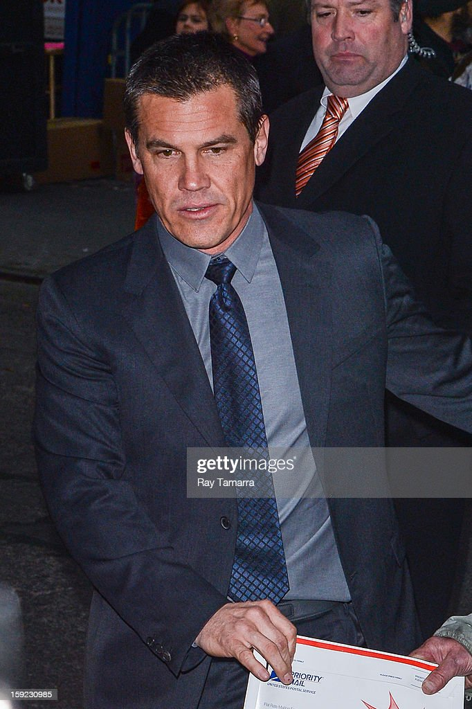 Actor <a gi-track='captionPersonalityLinkClicked' href=/galleries/search?phrase=Josh+Brolin&family=editorial&specificpeople=243198 ng-click='$event.stopPropagation()'>Josh Brolin</a> enters the 'Late Show With David Letterman' taping at the Ed Sullivan Theater on January 9, 2013 in New York City.
