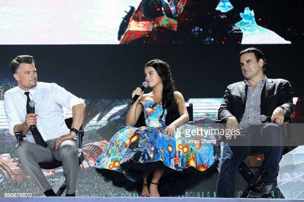 Actor Josh Duhamel Actress Isabela Moner and Executive Producer Mark Vahradian attend the 'Transformers The Last Knight' China World Premiere and Ten...