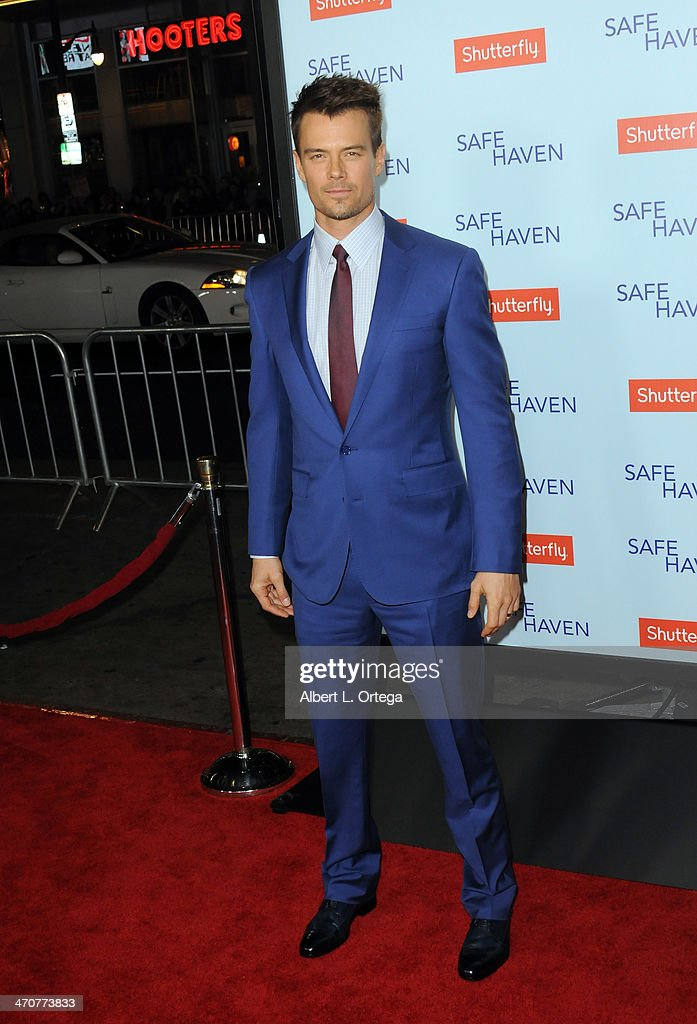 Actor <a gi-track='captionPersonalityLinkClicked' href=/galleries/search?phrase=Josh+Duhamel&family=editorial&specificpeople=208740 ng-click='$event.stopPropagation()'>Josh Duhamel</a> arrives for the Premiere Of Relativity Media's 'Safe Haven' held at The TCL Chinese Theater on February 5, 2013 in Hollywood, California.