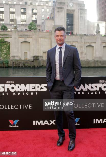 Actor Josh Duhamel arrives for the premiere of 'Transformers The Last Knight' on June 20 in Chicago Illinois / AFP PHOTO / Joshua LOTT