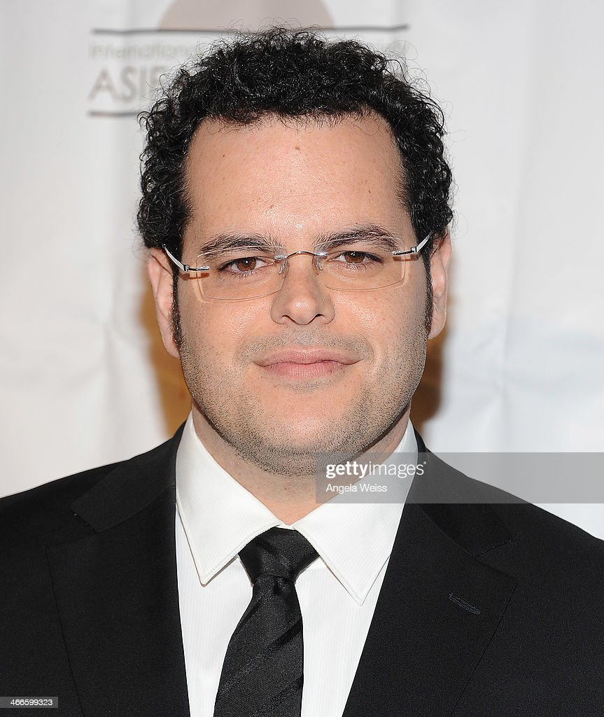 Actor <a gi-track='captionPersonalityLinkClicked' href=/galleries/search?phrase=Josh+Gad&family=editorial&specificpeople=4196023 ng-click='$event.stopPropagation()'>Josh Gad</a> arrives at the 41st Annual Annie Awards at Royce Hall, UCLA on February 1, 2014 in Westwood, California.