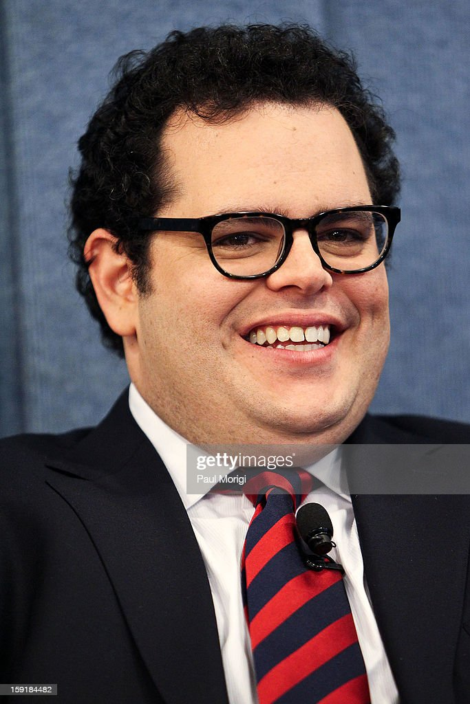 Actor <a gi-track='captionPersonalityLinkClicked' href=/galleries/search?phrase=Josh+Gad&family=editorial&specificpeople=4196023 ng-click='$event.stopPropagation()'>Josh Gad</a> attends the cast of '1600 Penn' discussion at The National Press Club on January 9, 2013 in Washington, DC.