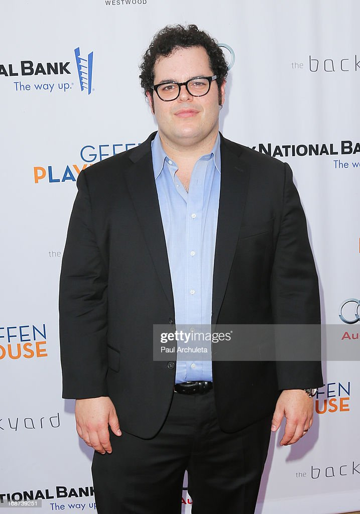Actor <a gi-track='captionPersonalityLinkClicked' href=/galleries/search?phrase=Josh+Gad&family=editorial&specificpeople=4196023 ng-click='$event.stopPropagation()'>Josh Gad</a> attends the Geffen annual fundraiser at the Geffen Playhouse on May 13, 2013 in Los Angeles, California.