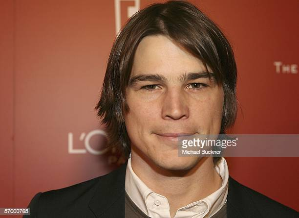 Actor Josh Hartnett arrives at the Weinstein Co PreOscar Party at the Pacific Design Center on March 4 2006 in Los Angeles California