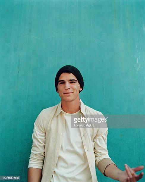Actor Josh Hartnett poses for a portrait shoot on September 30 2001 in Los Angeles