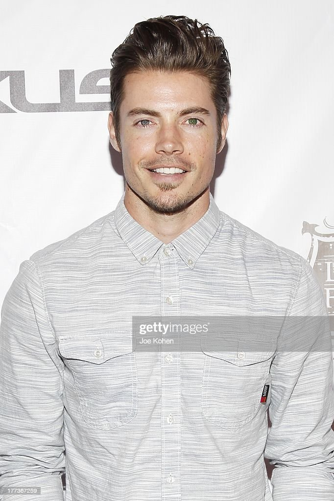 Actor <a gi-track='captionPersonalityLinkClicked' href=/galleries/search?phrase=Josh+Henderson+-+Sk%C3%A5despelare&family=editorial&specificpeople=635918 ng-click='$event.stopPropagation()'>Josh Henderson</a> attends the 2013 Los Angeles Food & Wine Festival 'Festa Italiana With Giada De Laurentiis' Opening Night Gala on August 22, 2013 in Los Angeles, California.