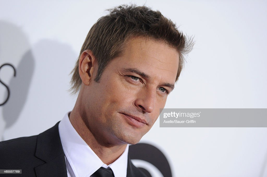 Actor Josh Holloway arrives at The 40th Annual People's Choice Awards at Nokia Theatre L.A. Live on January 8, 2014 in Los Angeles, California.