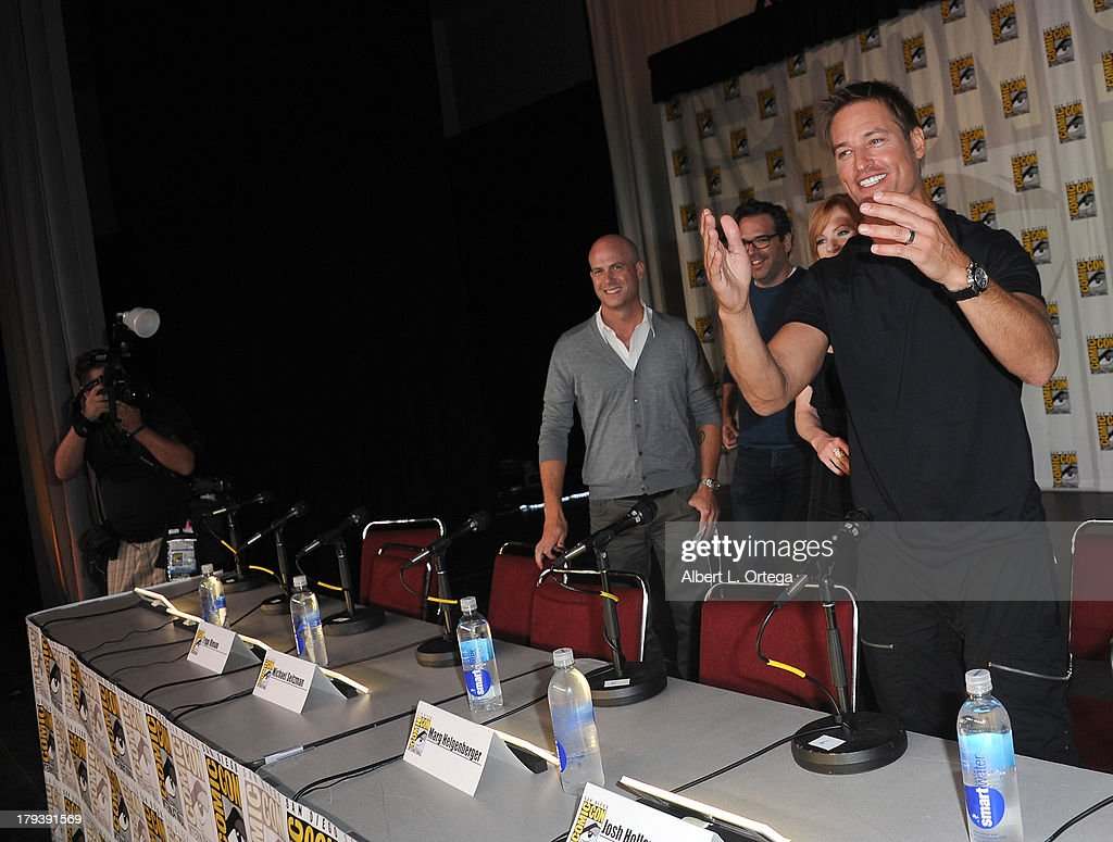 Actor <a gi-track='captionPersonalityLinkClicked' href=/galleries/search?phrase=Josh+Holloway&family=editorial&specificpeople=458791 ng-click='$event.stopPropagation()'>Josh Holloway</a> participates in the 'Intelligence' Panel on Day 1 of the 2013 Comic-Con International held at San Diego Convention Center on Thursday July 18, 2012 in San Diego, California.