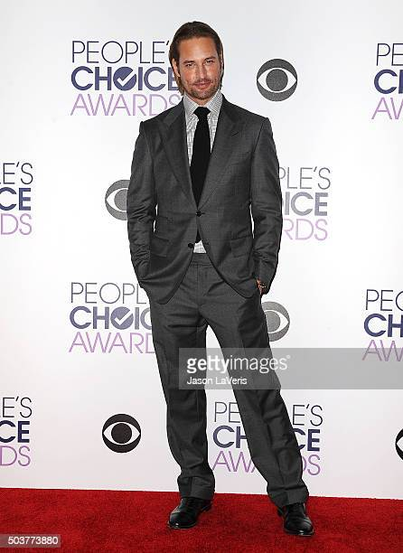 Actor Josh Holloway poses on the press room at the 2016 People's Choice Awards at Microsoft Theater on January 6 2016 in Los Angeles California