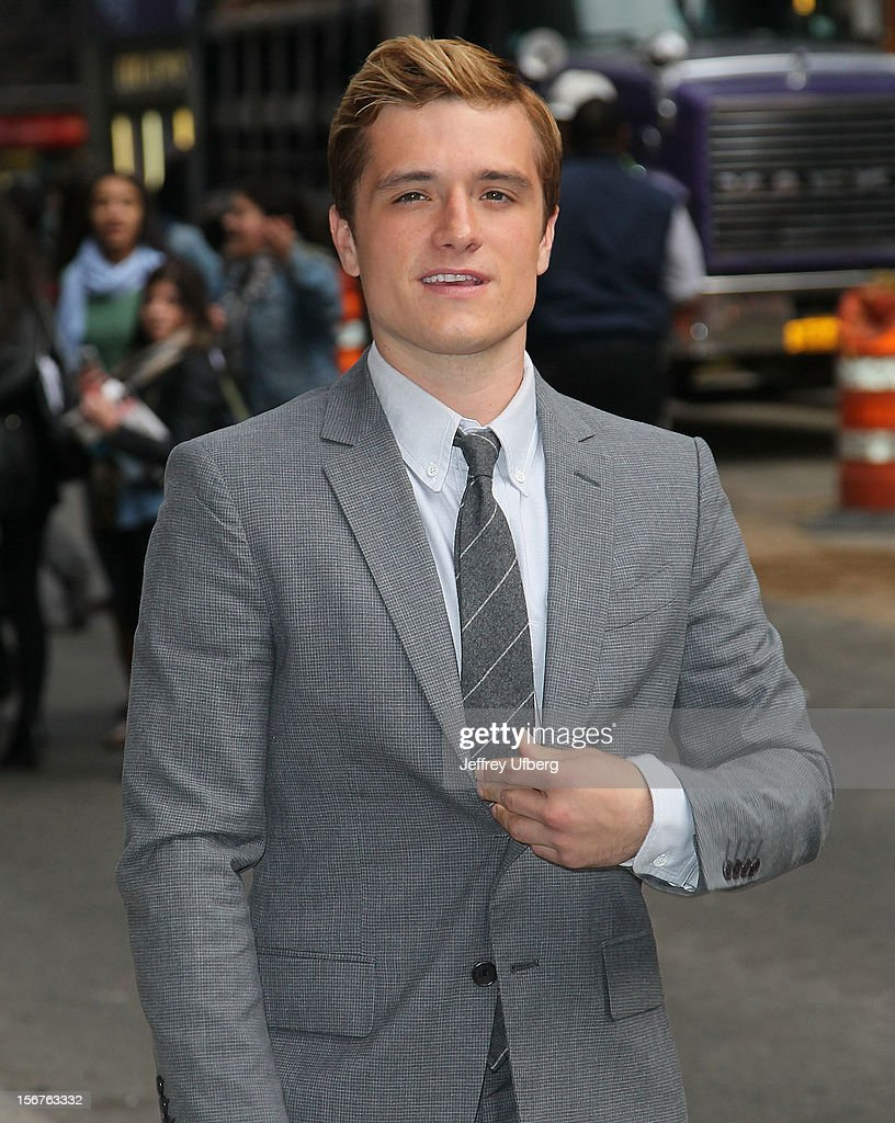 Actor <a gi-track='captionPersonalityLinkClicked' href=/galleries/search?phrase=Josh+Hutcherson&family=editorial&specificpeople=673588 ng-click='$event.stopPropagation()'>Josh Hutcherson</a> arrives to 'Late Show with David Letterman' at Ed Sullivan Theater on November 20, 2012 in New York City.