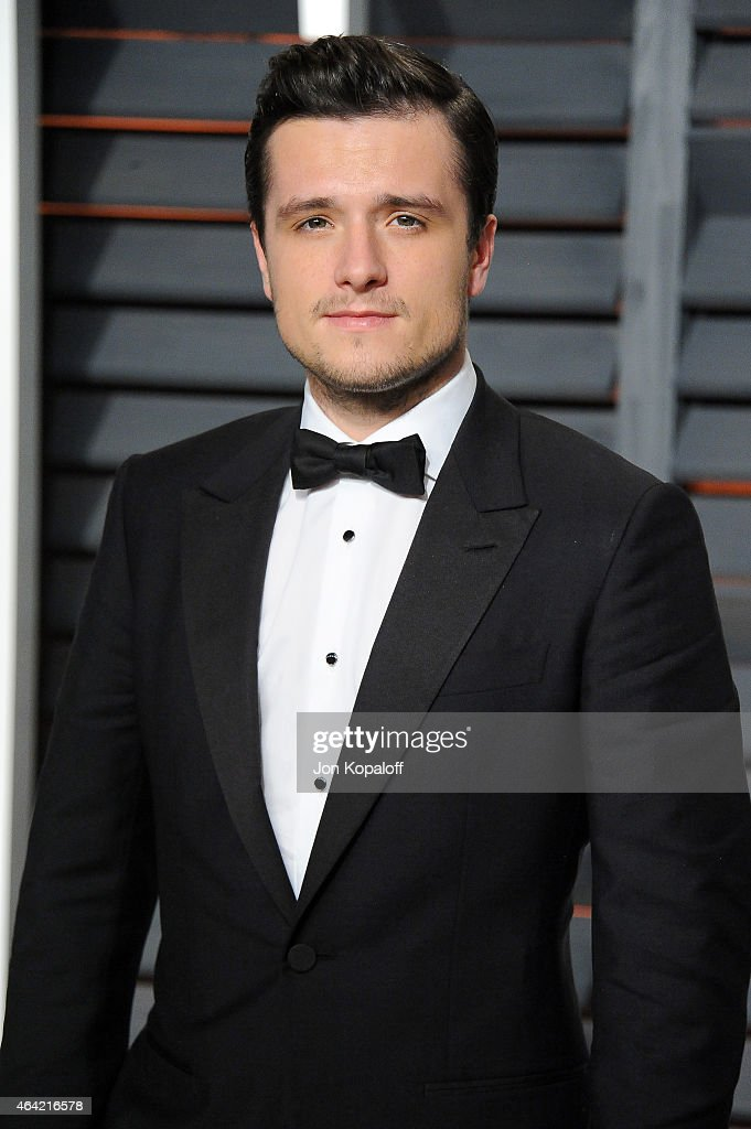 Actor <a gi-track='captionPersonalityLinkClicked' href=/galleries/search?phrase=Josh+Hutcherson&family=editorial&specificpeople=673588 ng-click='$event.stopPropagation()'>Josh Hutcherson</a> attends the 2015 Vanity Fair Oscar Party hosted by Graydon Carter at Wallis Annenberg Center for the Performing Arts on February 22, 2015 in Beverly Hills, California.