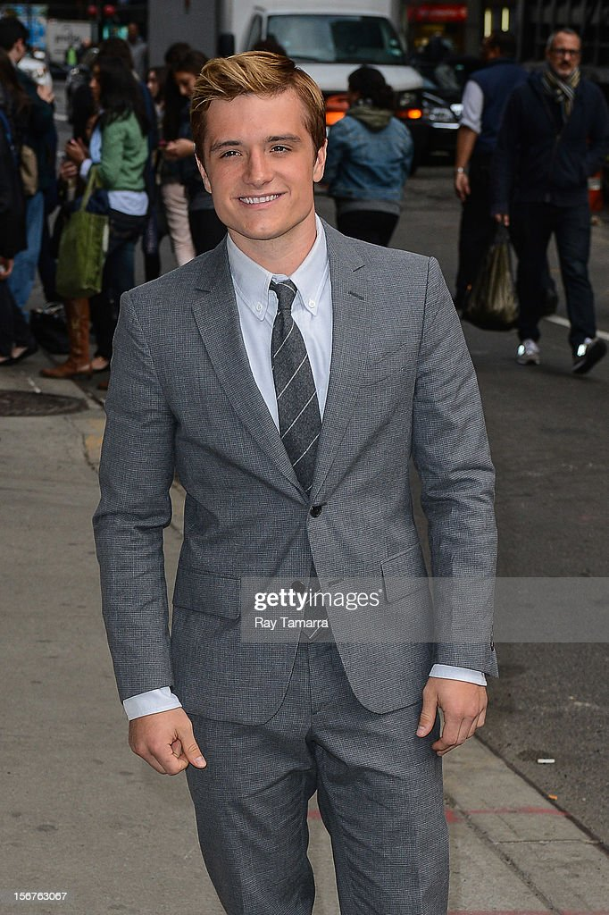 Actor <a gi-track='captionPersonalityLinkClicked' href=/galleries/search?phrase=Josh+Hutcherson&family=editorial&specificpeople=673588 ng-click='$event.stopPropagation()'>Josh Hutcherson</a> enters the 'Late Show With David Letterman' taping at the Ed Sullivan Theater on November 20, 2012 in New York City.