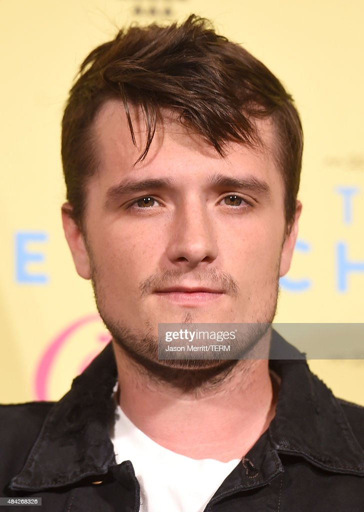 Actor <a gi-track='captionPersonalityLinkClicked' href=/galleries/search?phrase=Josh+Hutcherson&family=editorial&specificpeople=673588 ng-click='$event.stopPropagation()'>Josh Hutcherson</a> poses in the press room during the Teen Choice Awards 2015 at the USC Galen Center on August 16, 2015 in Los Angeles, California.