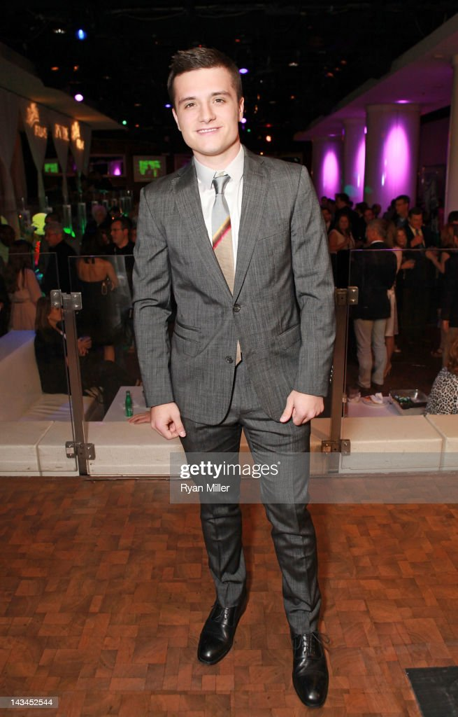 Actor <a gi-track='captionPersonalityLinkClicked' href=/galleries/search?phrase=Josh+Hutcherson&family=editorial&specificpeople=673588 ng-click='$event.stopPropagation()'>Josh Hutcherson</a>, recipient of the Breakthrough Performer of the Year Award, attends the CinemaCon awards ceremony at the Pure Nightclub at Caesars Palace during CinemaCon, the official convention of the National Association of Theatre Owners, April 26, 2012 in Las Vegas, Nevada.