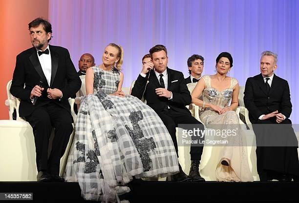 Actor Joshua Jackson and jury members Diane Kruger Ewan McGregor Hiam Abbass and JeanPaul Gautier onstage at the Closing Ceremony during the 65th...