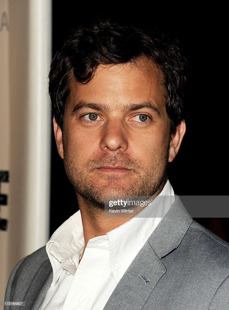 Actor <a gi-track='captionPersonalityLinkClicked' href=/galleries/search?phrase=Joshua+Jackson+-+Actor&family=editorial&specificpeople=208160 ng-click='$event.stopPropagation()'>Joshua Jackson</a> arrives at the series premiere of FX's 'The Bridge' at the Directors Guild of America on July 8, 2013 in Los Angeles, California.