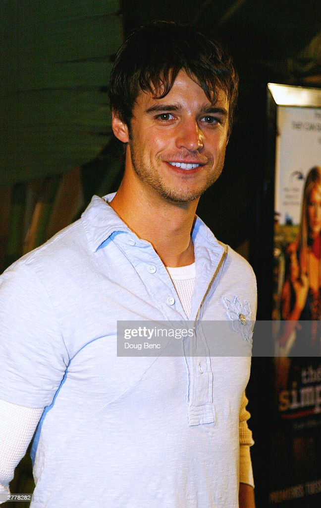 Actor Joshua Snyder arrives for the premiere party for 'The Simple Life' on December 2, 2003 at Bliss in Los Angeles, California.
