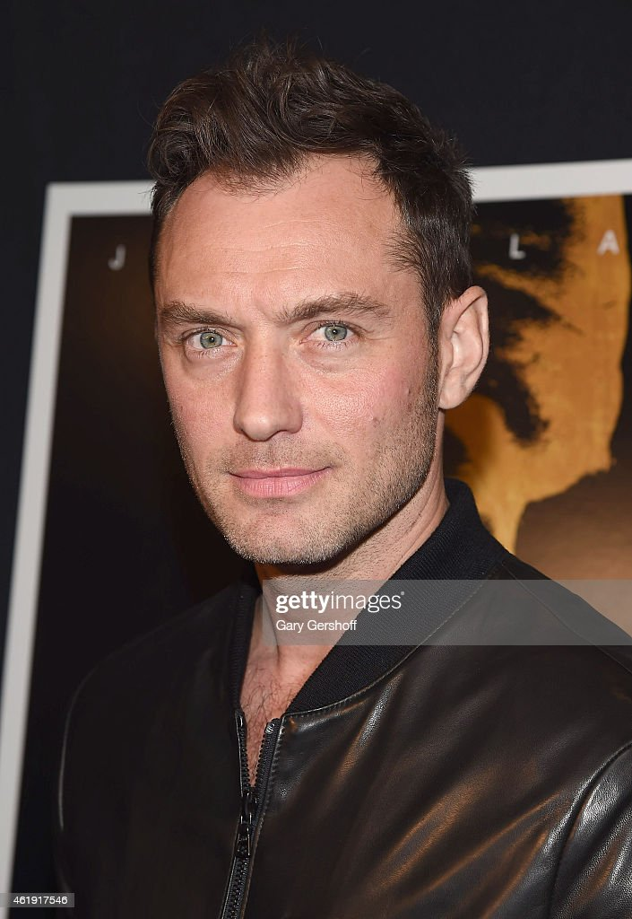 Actor <a gi-track='captionPersonalityLinkClicked' href=/galleries/search?phrase=Jude+Law&family=editorial&specificpeople=156401 ng-click='$event.stopPropagation()'>Jude Law</a> attends the 'Black Sea' New York screening at Landmark Sunshine Cinema on January 21, 2015 in New York City.