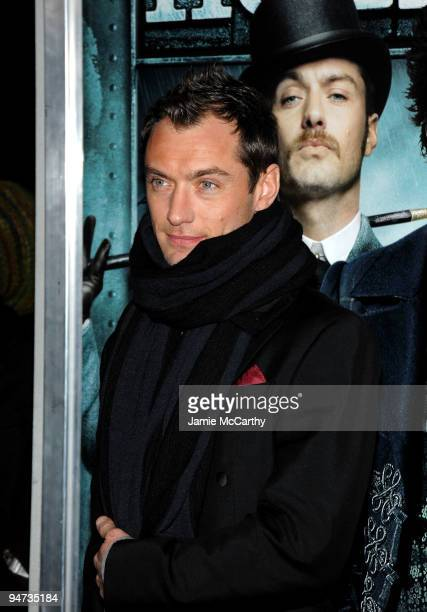 Actor Jude Law attends the New York premiere of 'Sherlock Holmes' at the Alice Tully Hall Lincoln Center on December 17 2009 in New York City