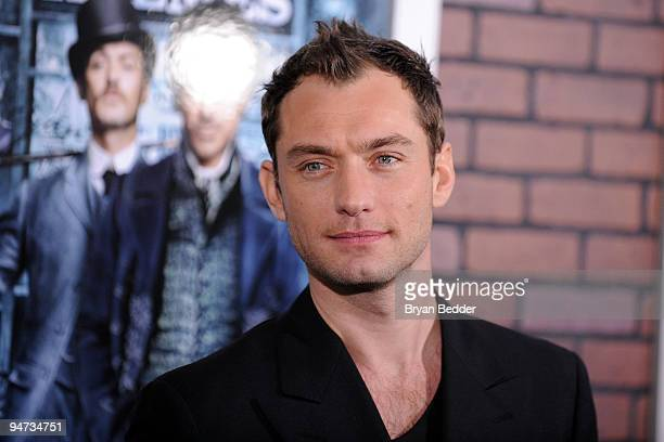 Actor Jude Law attends the premiere of 'Sherlock Holmes' at Alice Tully Hall Lincoln Center on December 17 2009 in New York City